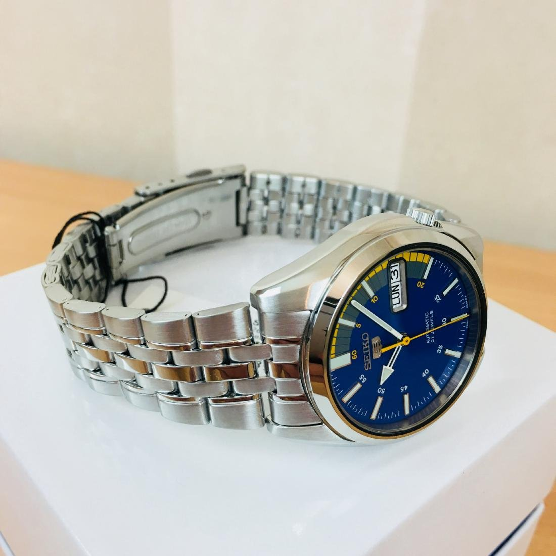 SEIKO 5 Men's Automatic Watch Brand New with Box - 6