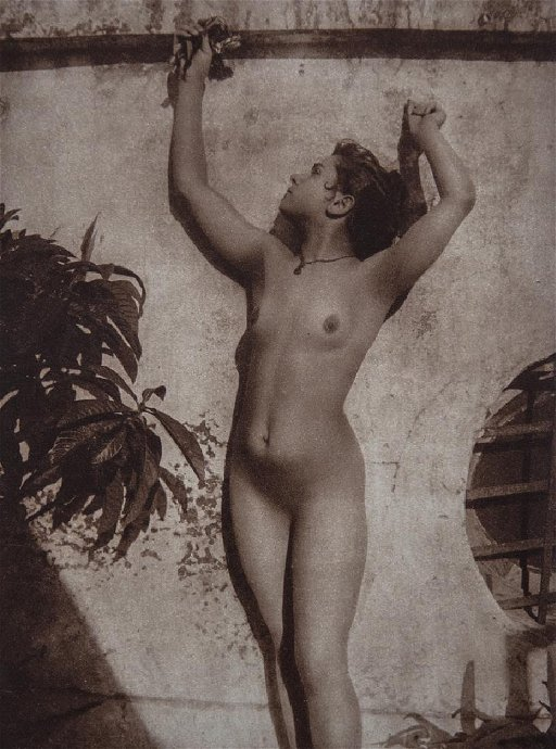 WILHELM VON GLOEDEN - Nude Sicilian Woman