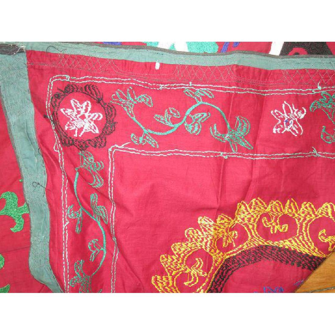 Vintage Suzanni Embroidery Throw 6.10x7.5 - 7
