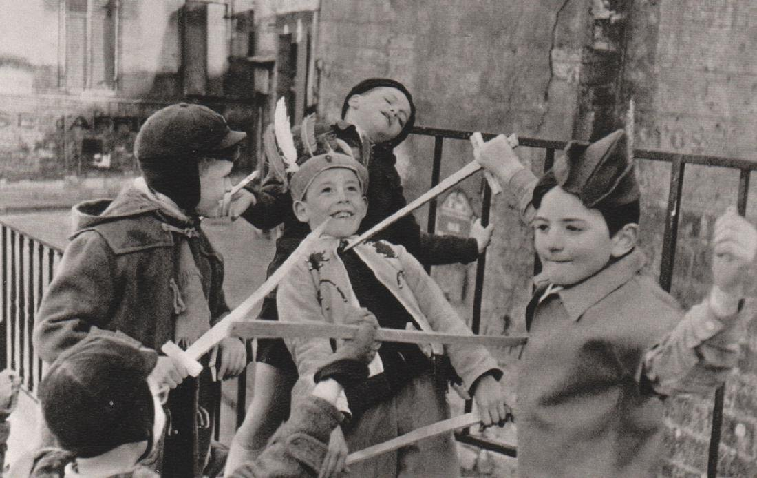 EDOUARD BOUBAT - Sword Play. Paris 1954