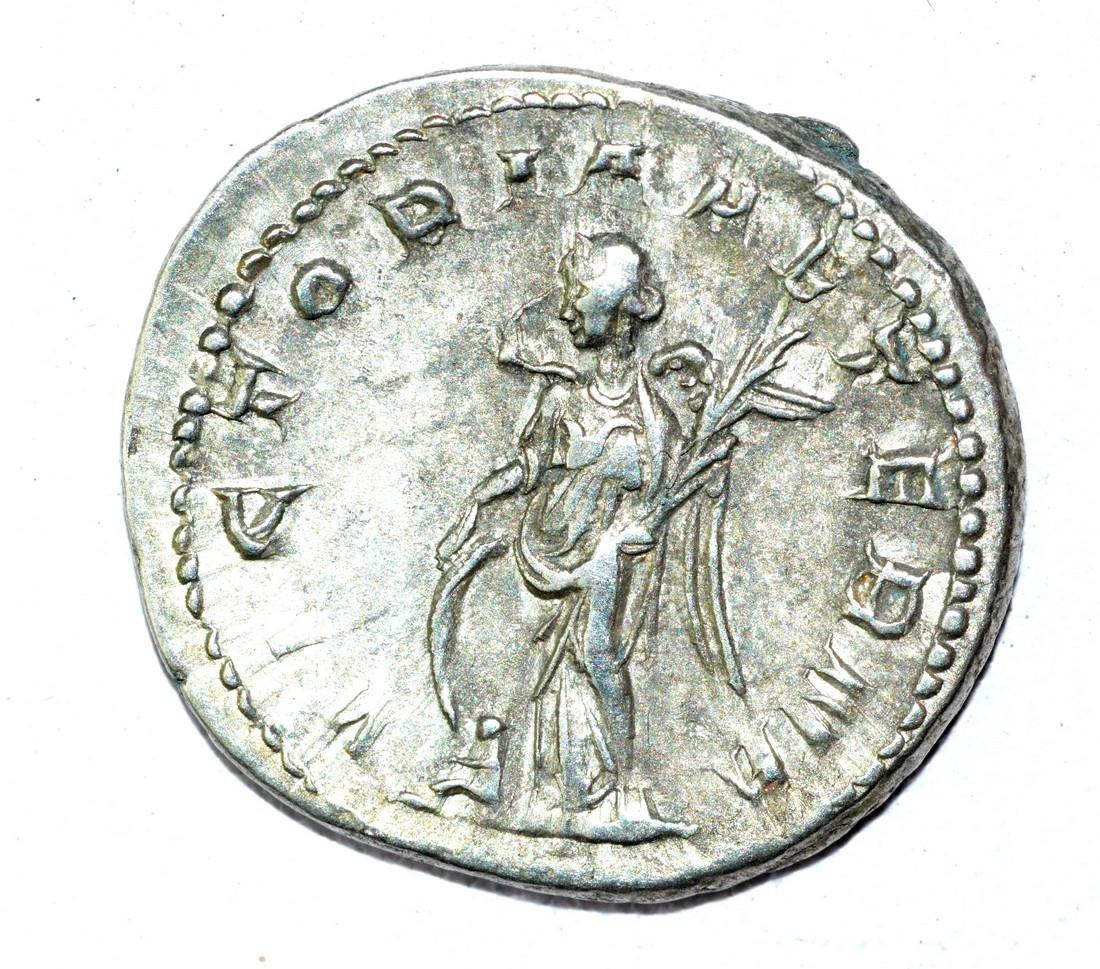 Gordian III AR Antoninianus, rv. Victoria - 2