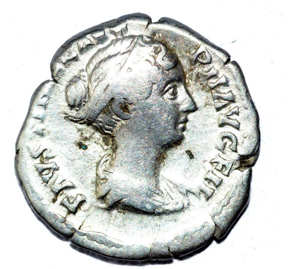 Faustina AR Denarius, rv. Venus