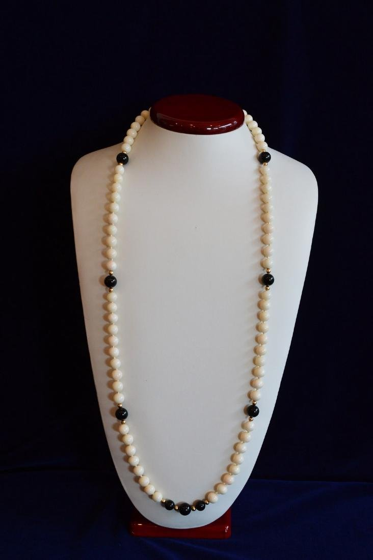 Ladies Slip-On 14K Gold Coral & Onyx Bead Necklace