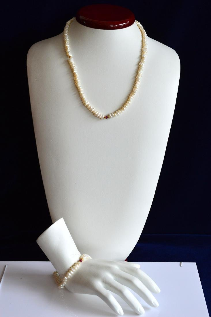 Ladies 14K Gold Blister Pearl Necklace Bracelet Set