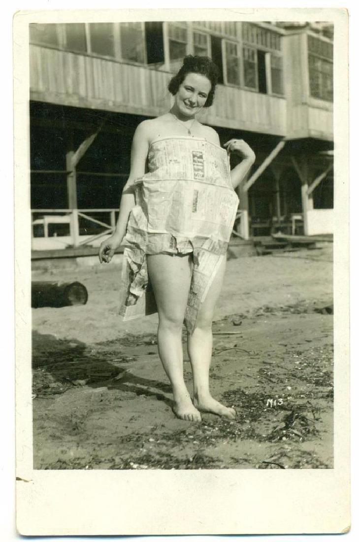 Vintage 1920 Bizarre Happy Lady Newspaper Dress - 2