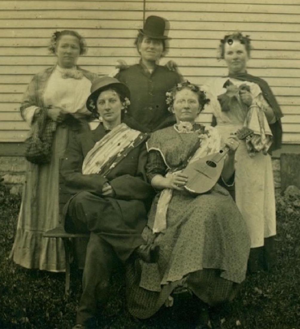 1915 Bizarre Group 5 Women Costume Performer Mandolin