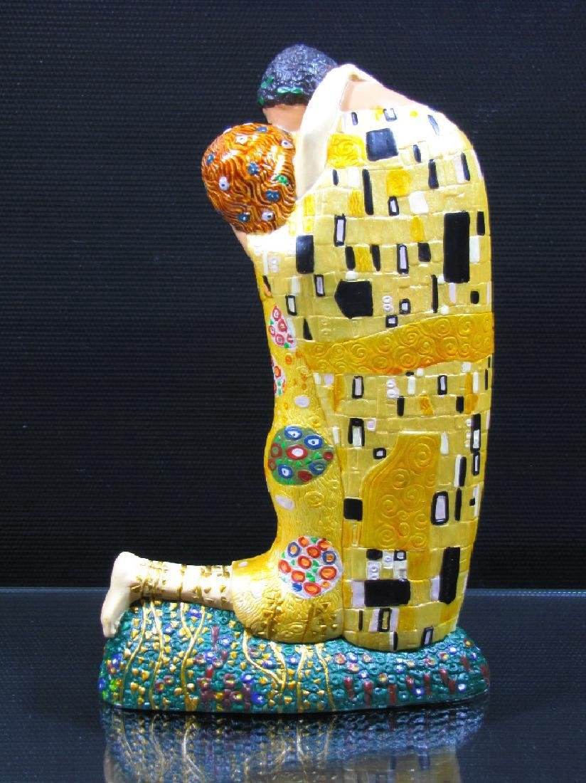 After Gustav Klimt: The Kiss Mouseion Collection Statue - 2