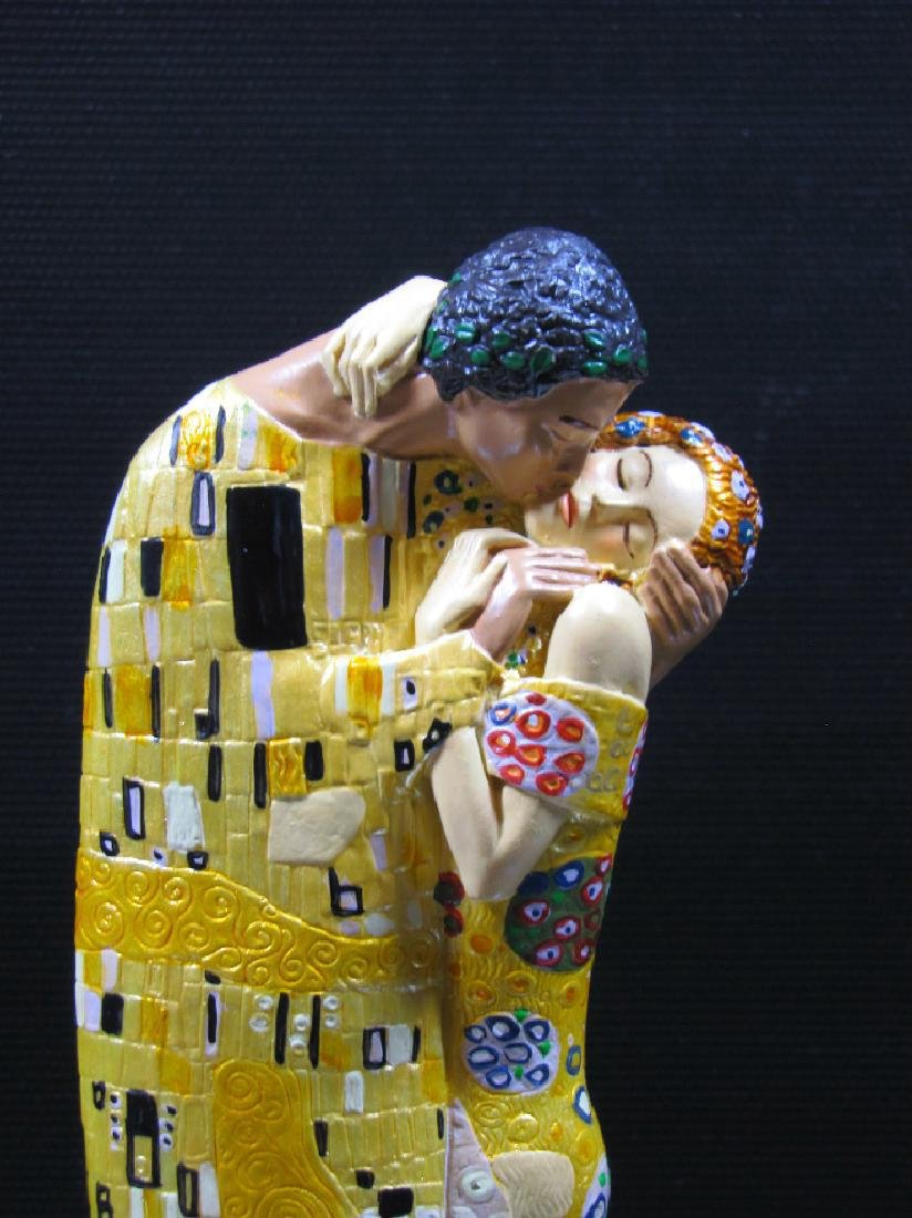 After Gustav Klimt: The Kiss Mouseion Collection Statue - 3
