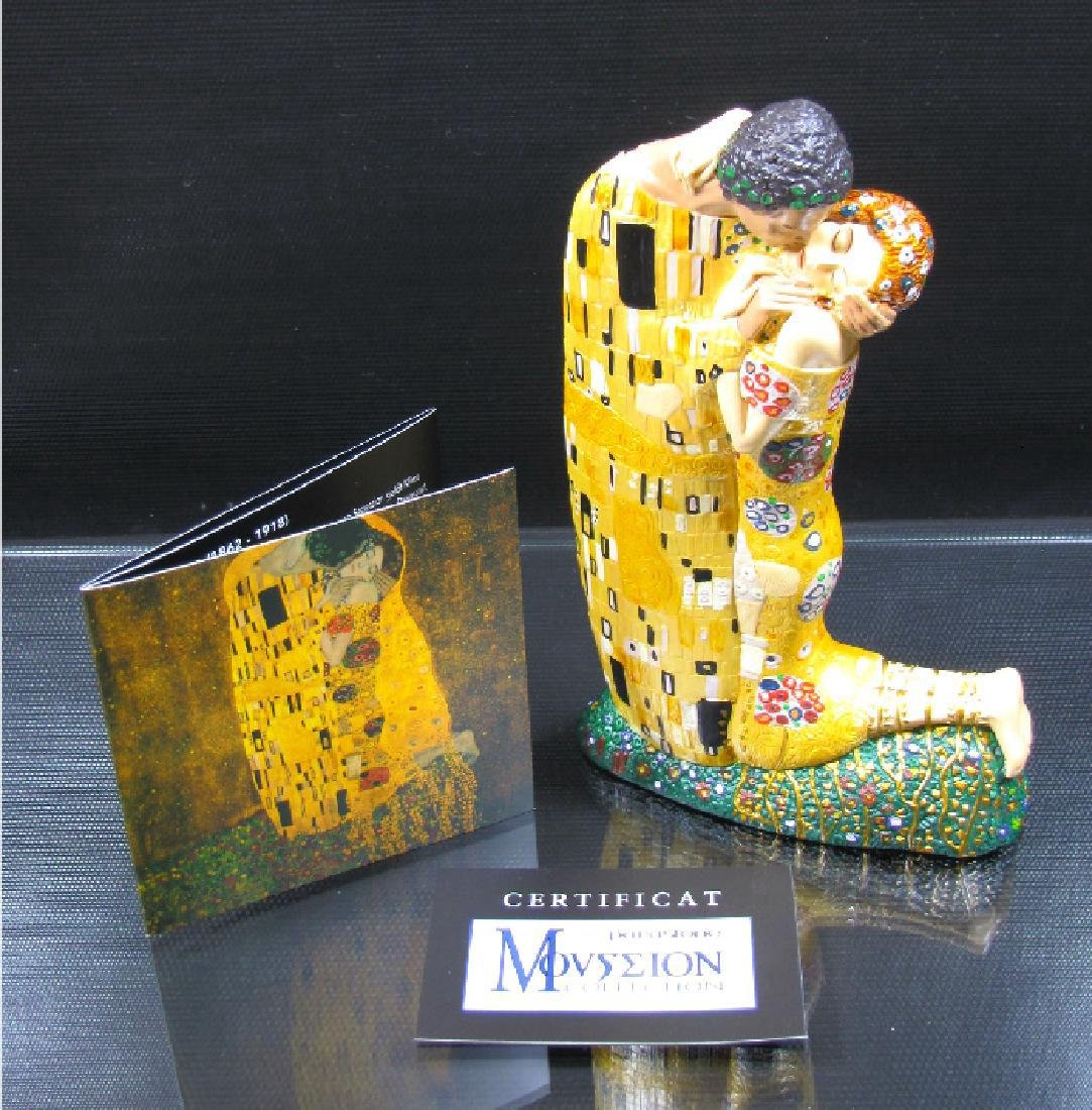 After Gustav Klimt: The Kiss Mouseion Collection Statue - 4
