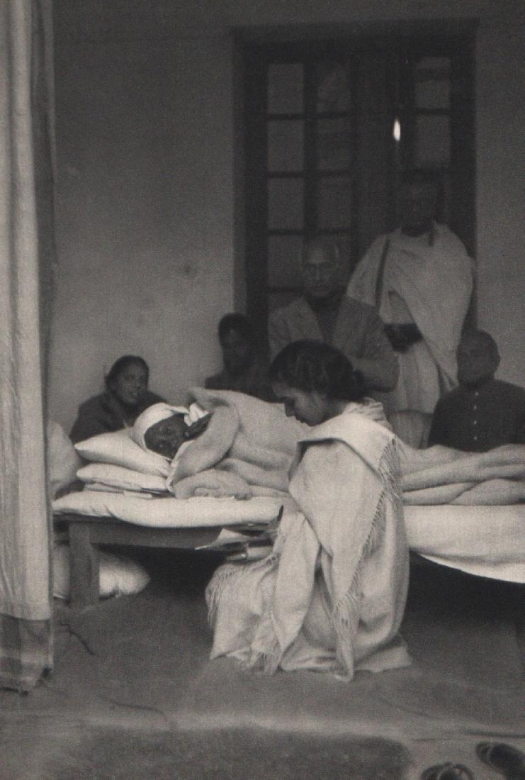 HENRI CARTIER-BRESSON - Last Fast of Gandhi