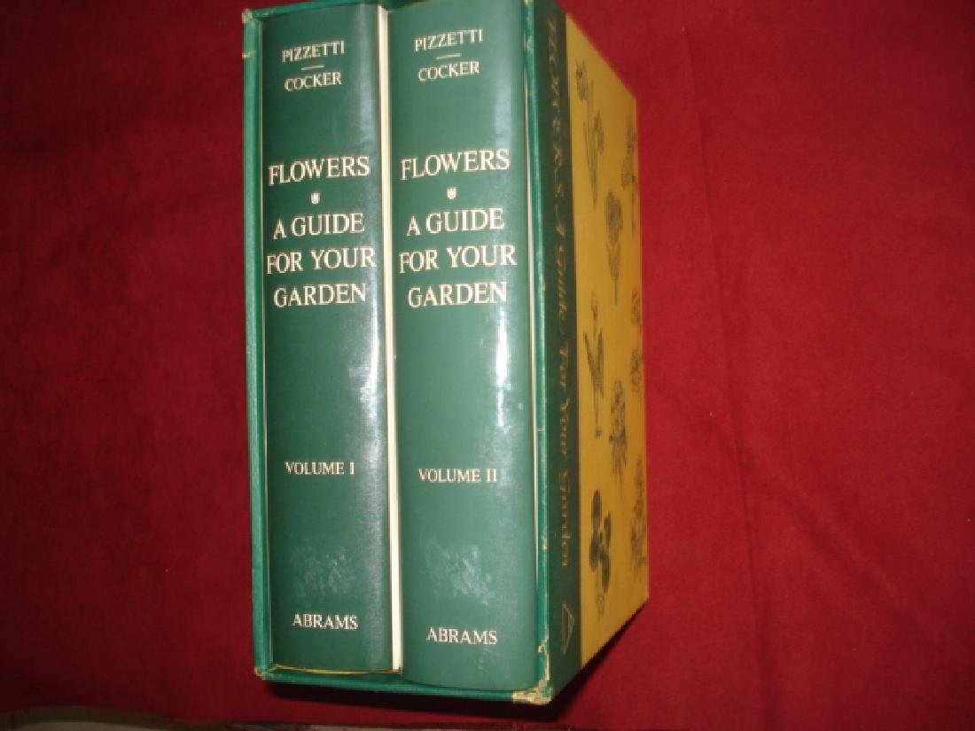 Flowers A Guide for Your Garden 2 volumes in slip case