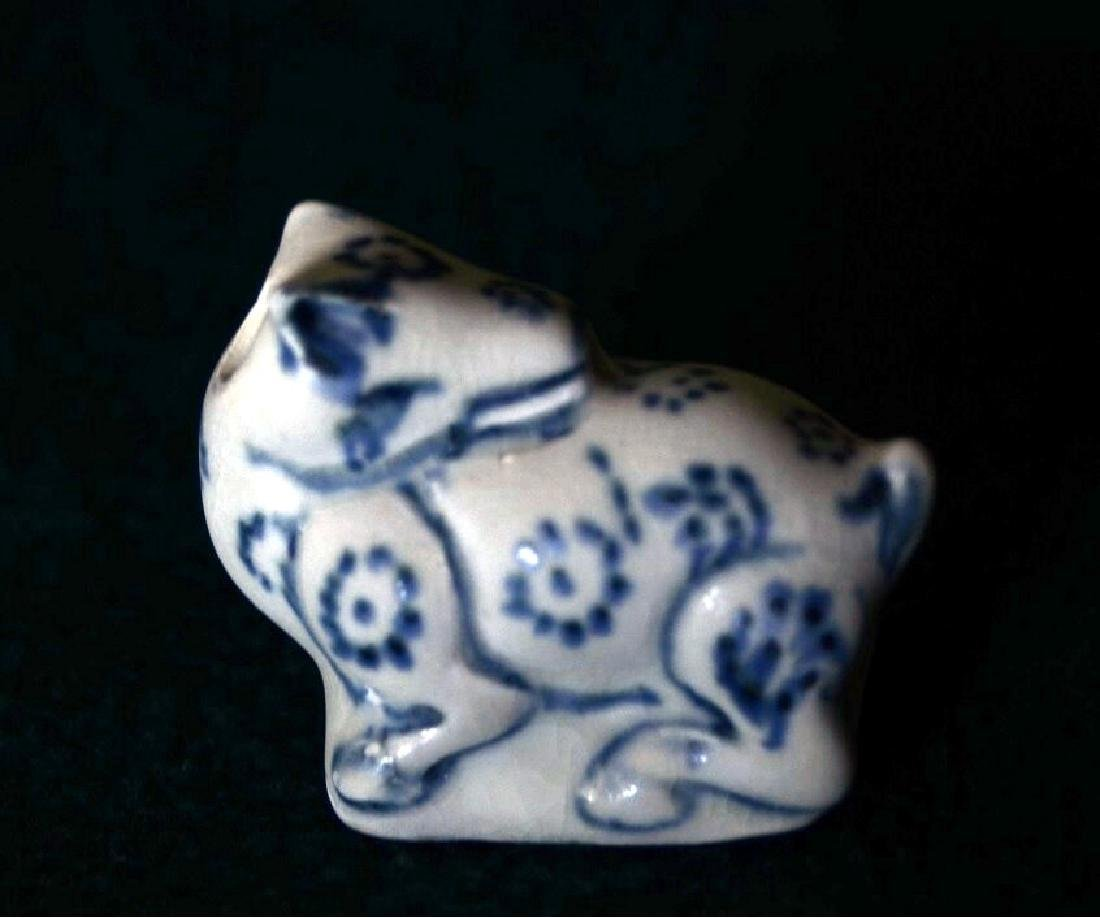 Ming Period 15th C Annamese Porcelain Water Dropper