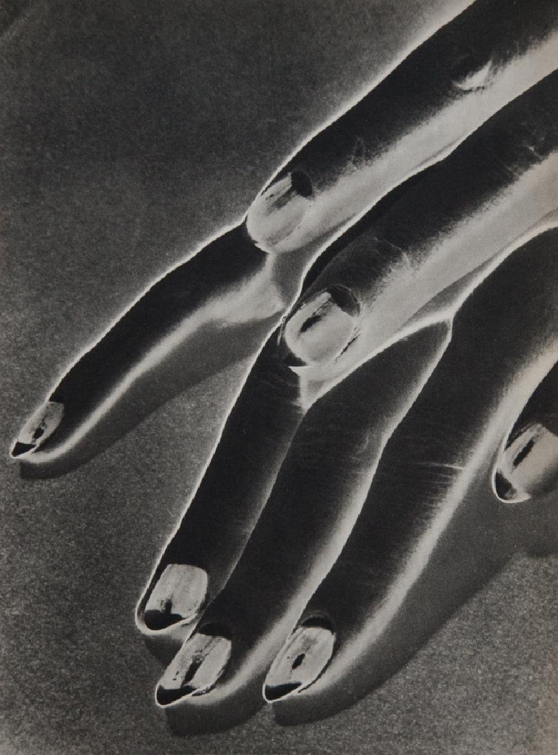 MAN RAY - Solarized Hand