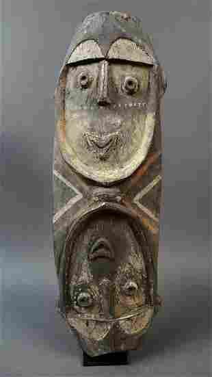 Large double faced mask from the tribe Nukuma Kwoma
