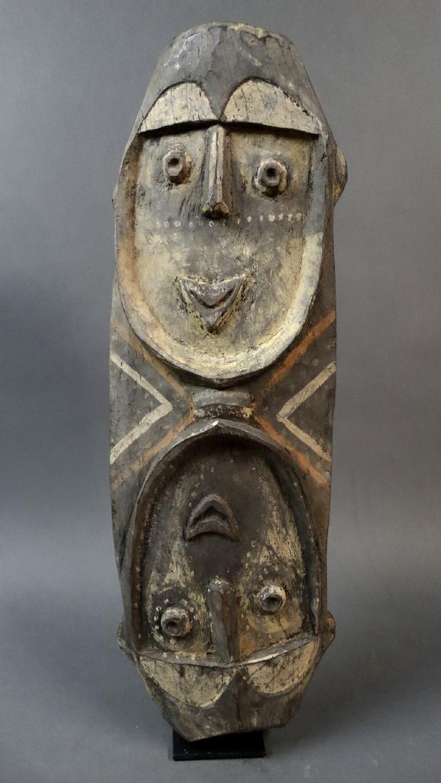 Large double faced mask from the tribe Nukuma / Kwoma