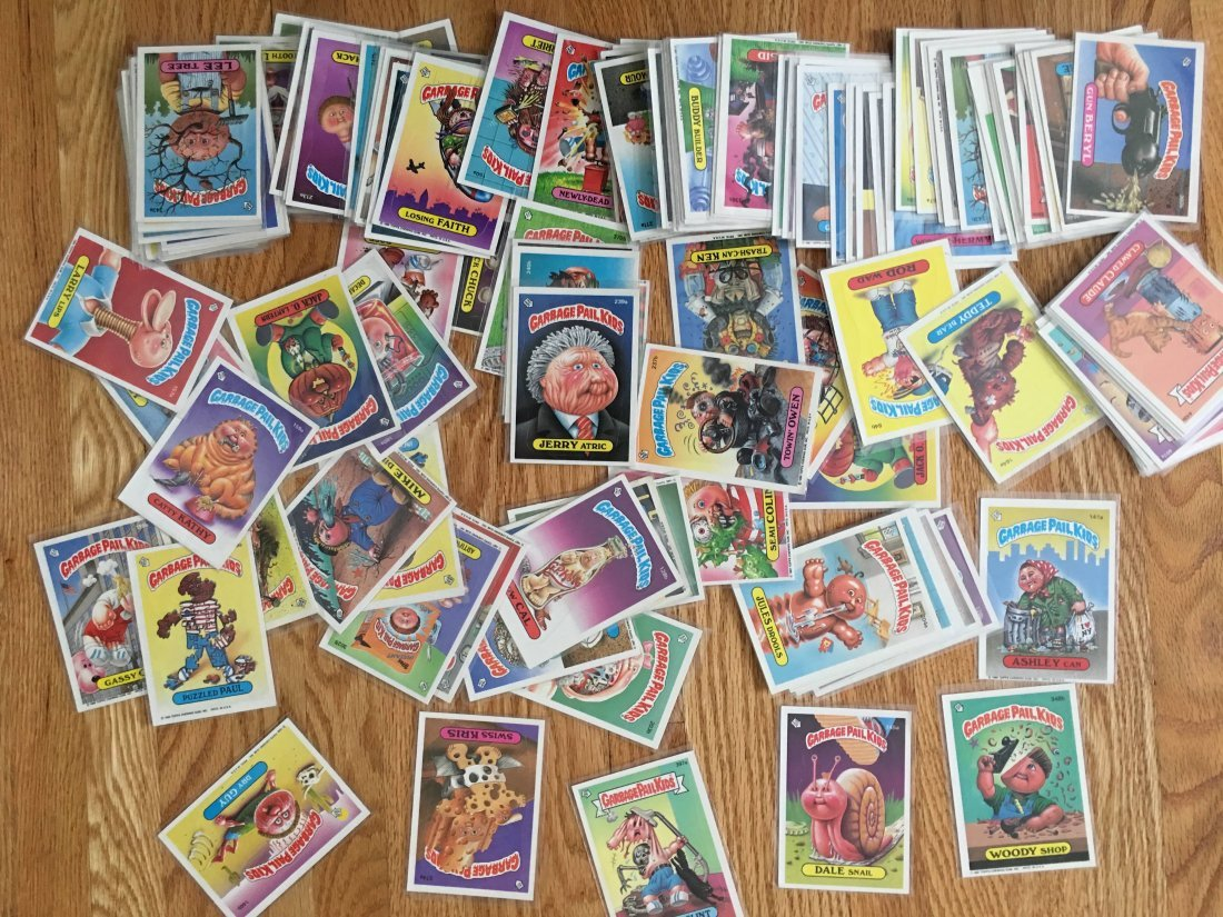 LOT of 125 GARBAGE PAIL KIDS CARDS