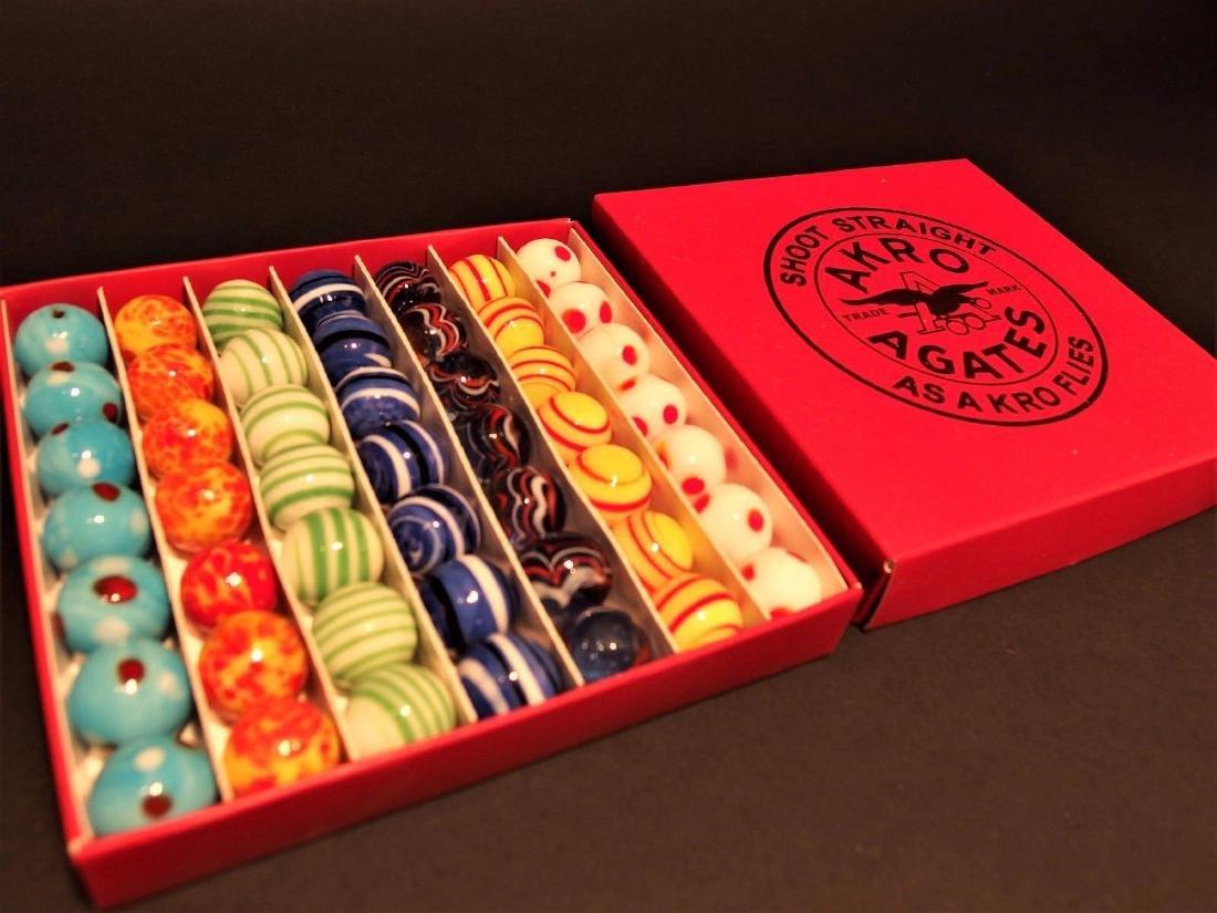 Akro Agates Marble set w Box - 2