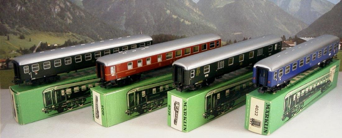 Märklin H0 4r D-train Carriages, 1st, 2nd Class