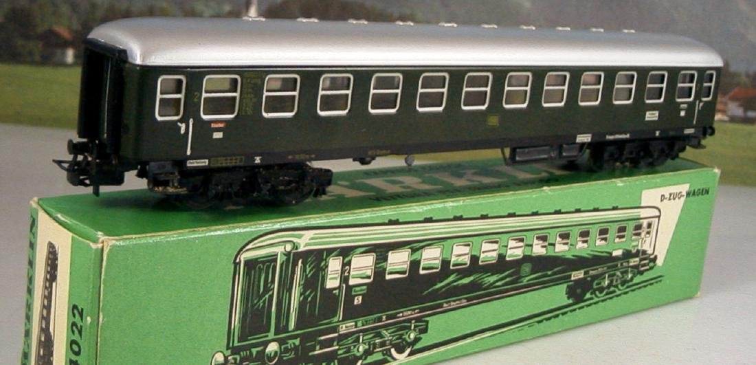 Märklin H0 4r D-train Carriages, 1st, 2nd Class - 2