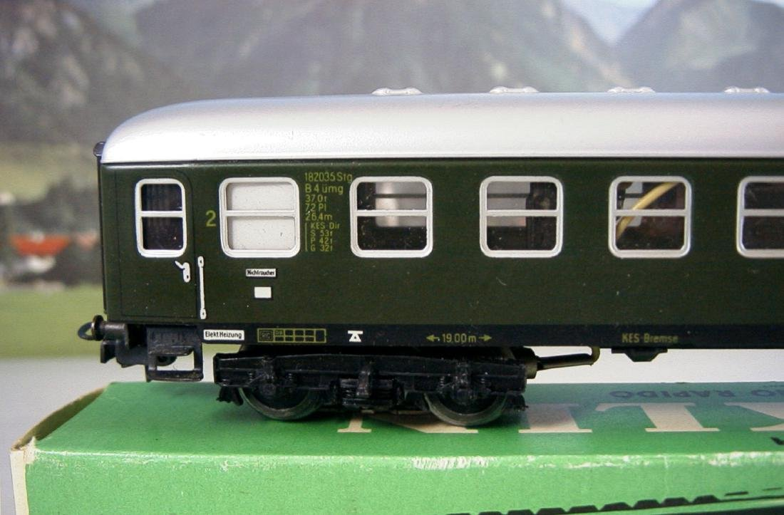 Märklin H0 4r D-train Carriages, 1st, 2nd Class - 4