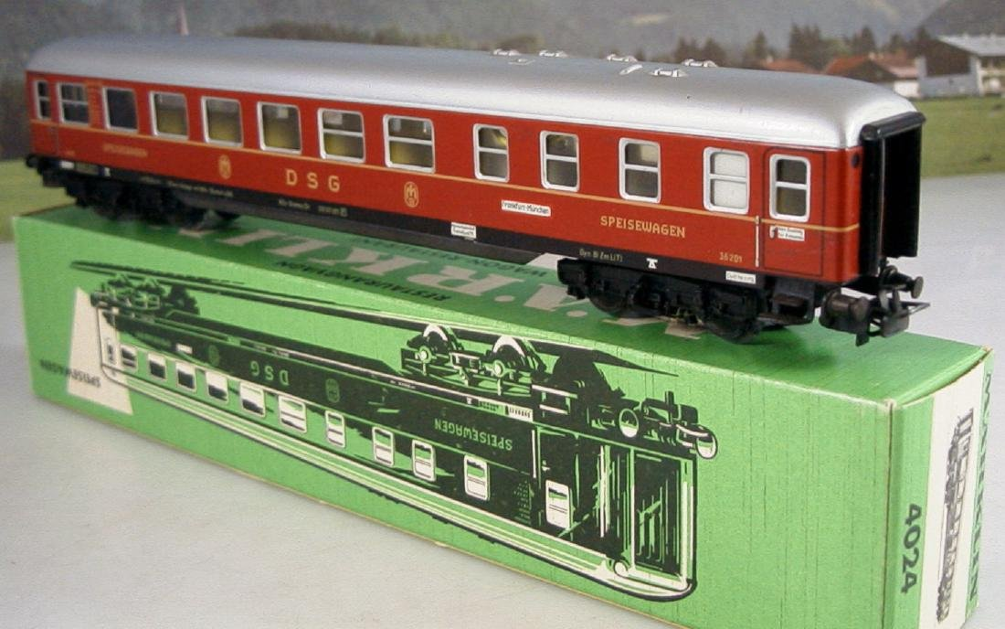 Märklin H0 4r D-train Carriages, 1st, 2nd Class - 9