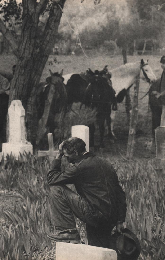 HENRI CARTIER-BRESSON - Funeral, Taos NM 1947