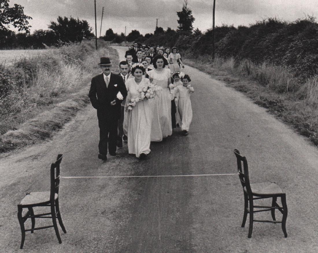 ROBERT DOISNEAU - Wedding Ribbon, 1951