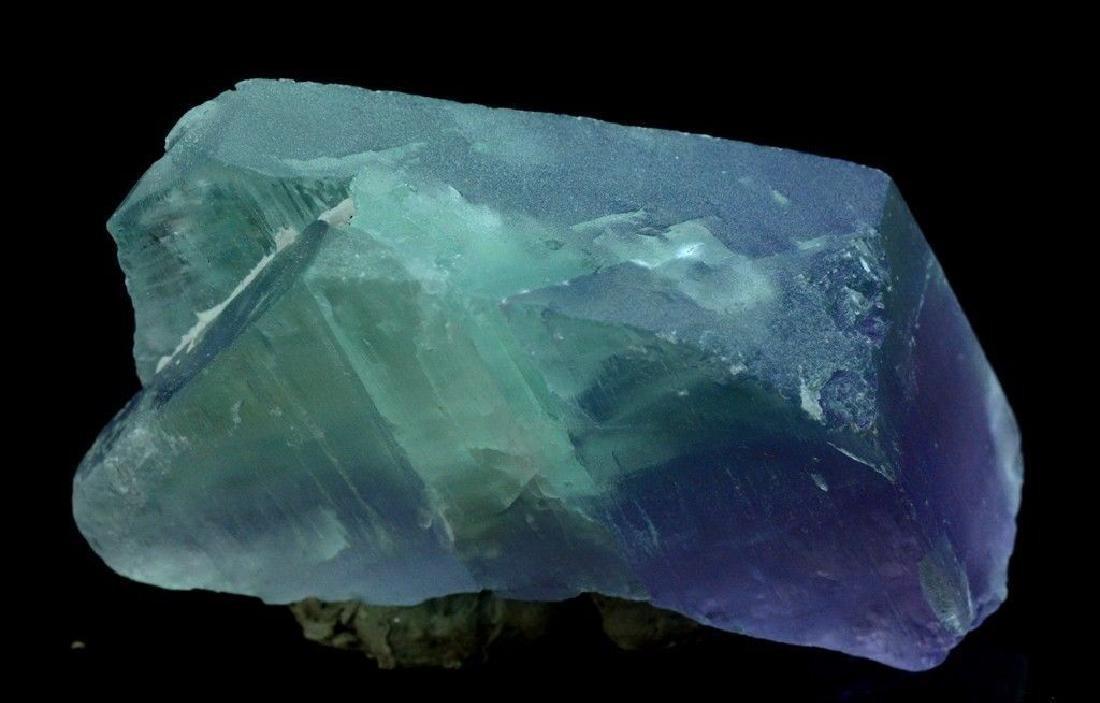 186 Gram V Shape Bi Color Natural Kunzite Crystal - 7