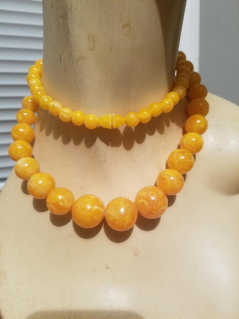 Vintage 1940'silk Celluloid/bakelite Necklace