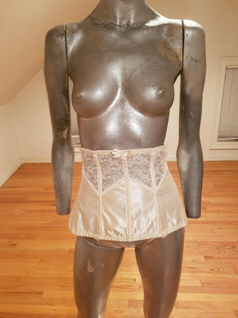 Vintage Lady Marlene Lace/nylon Waist Garter