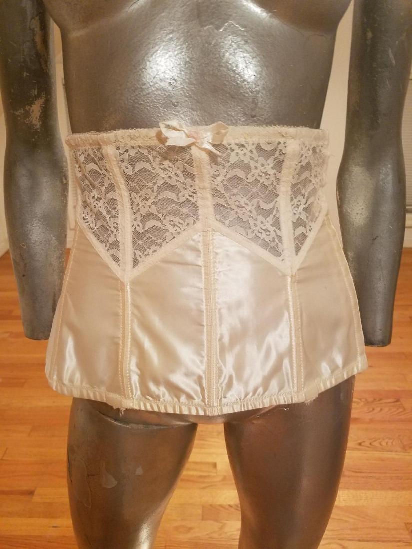 Vintage Lady Marlene Lace/nylon Waist Garter - 2