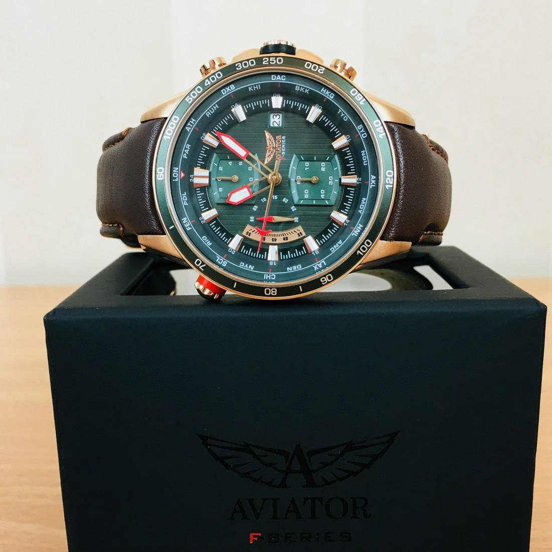 Aviator – Men's World Time Watch - 9