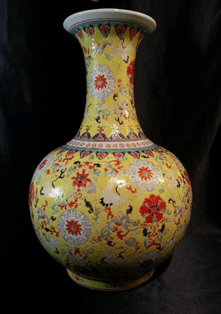 Chinese Porcelain Pottery in Canlong Period