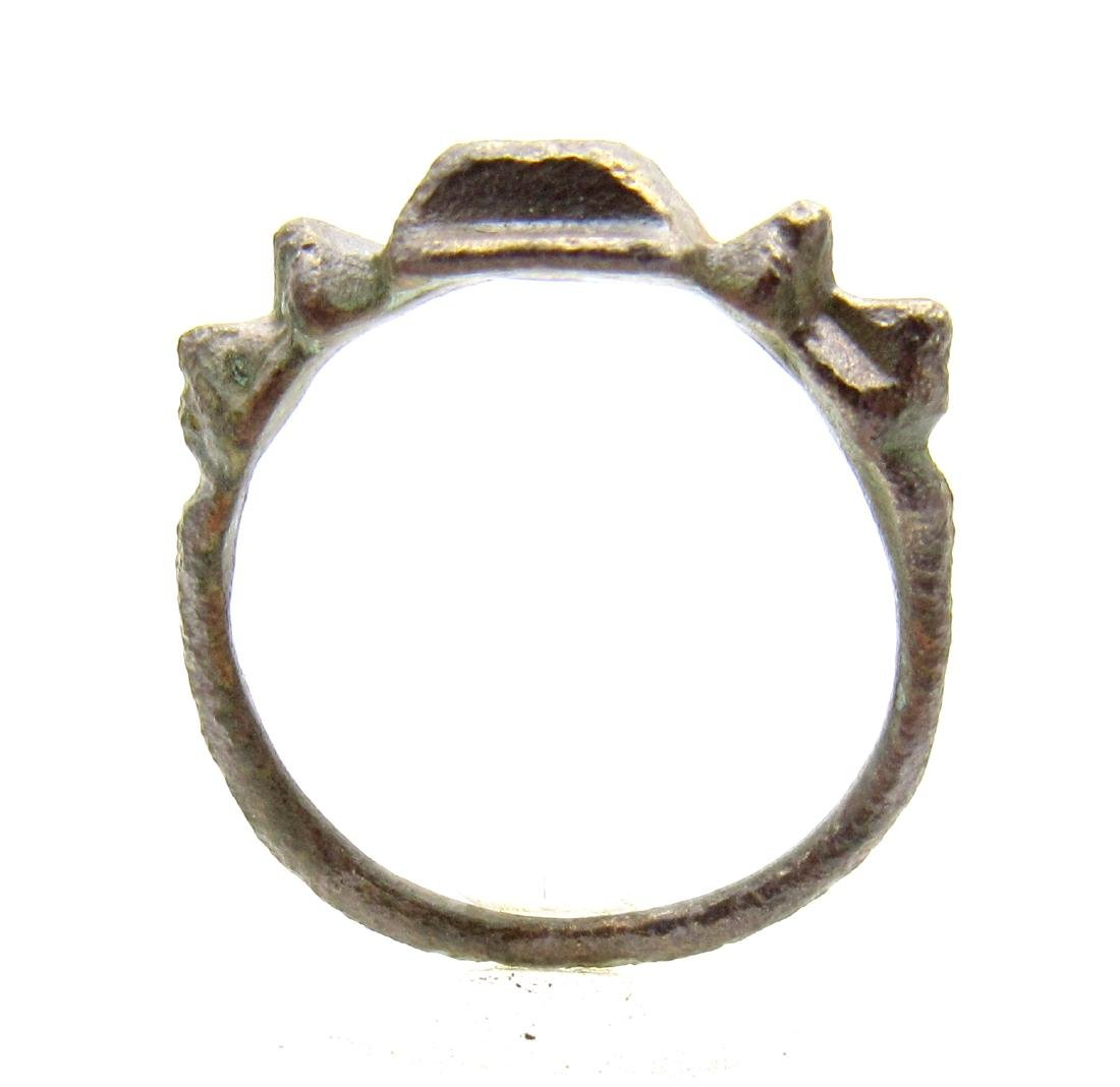 Ancient Roman Ring with Spiked Bezel - 3