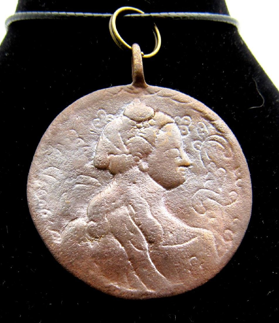 Post Medieval Queen and Mary & Jesus Pendant