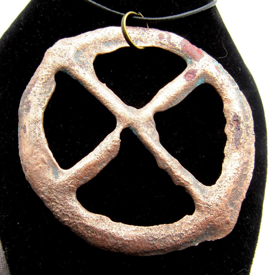 Ancient Roman Wheel of Fortune Pendant - 2