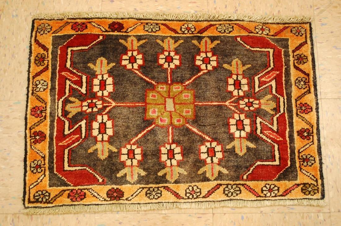Persian Heriz Rug 1.8x2.7