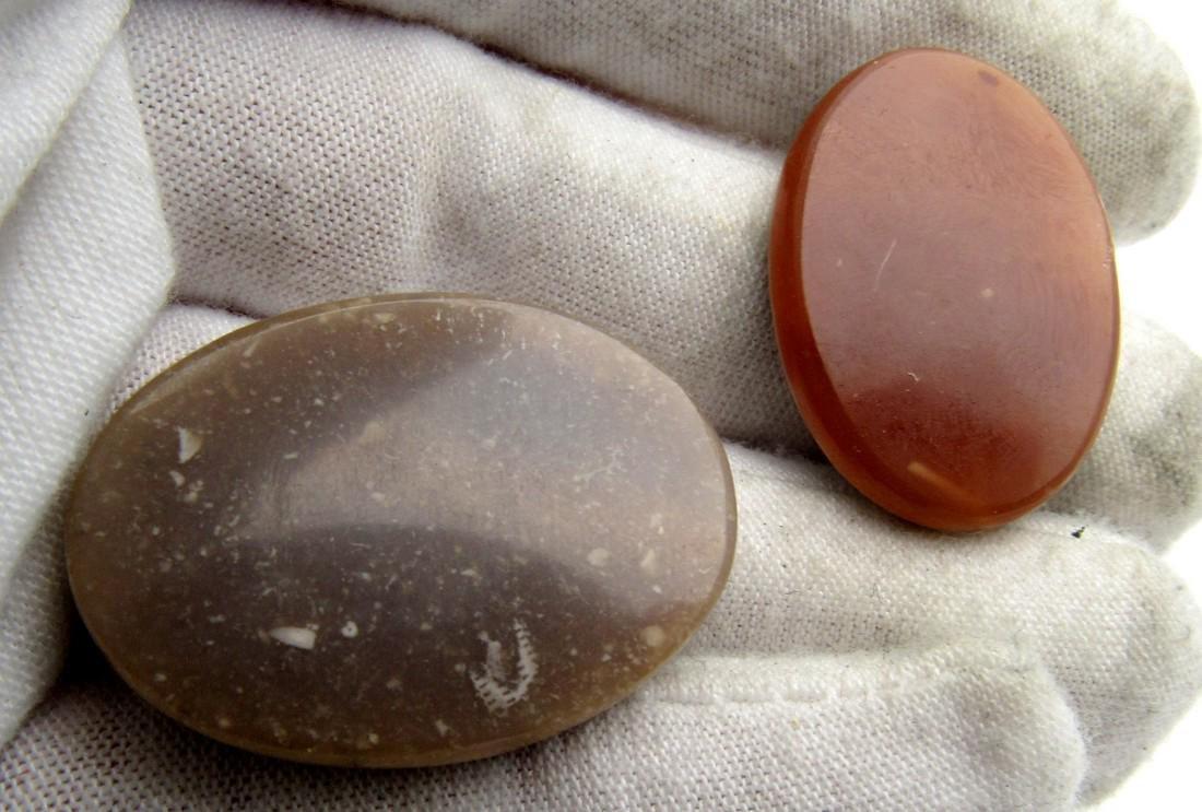 Pair of Sassanian Style Near Eastern Agate Intaglios - 2