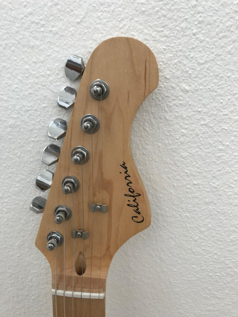 Tom Petty Signed Sunburst California Guitar - 3