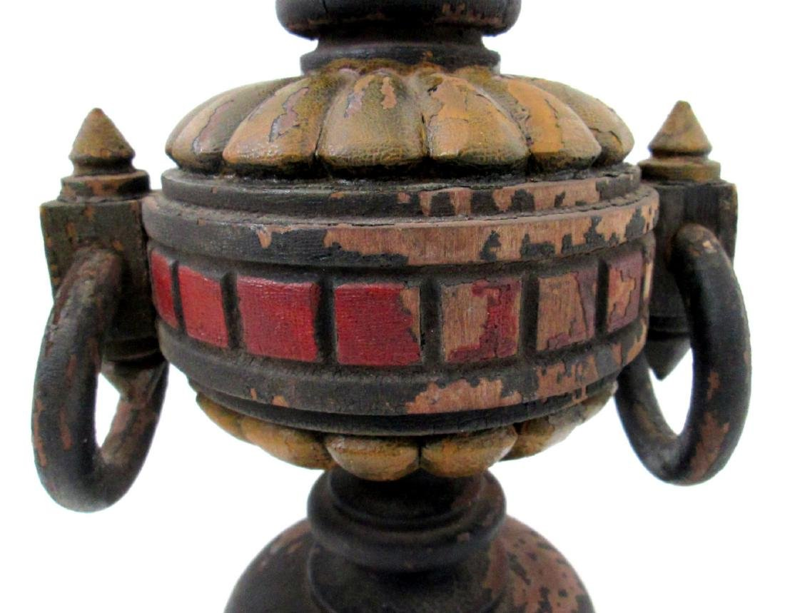 Painted Fraternal Urn Late 19th Century - 3