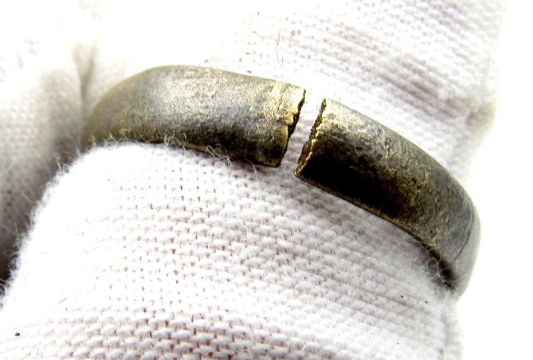 Late Medieval Tudor Bronze Floral Wedding Ring - 4