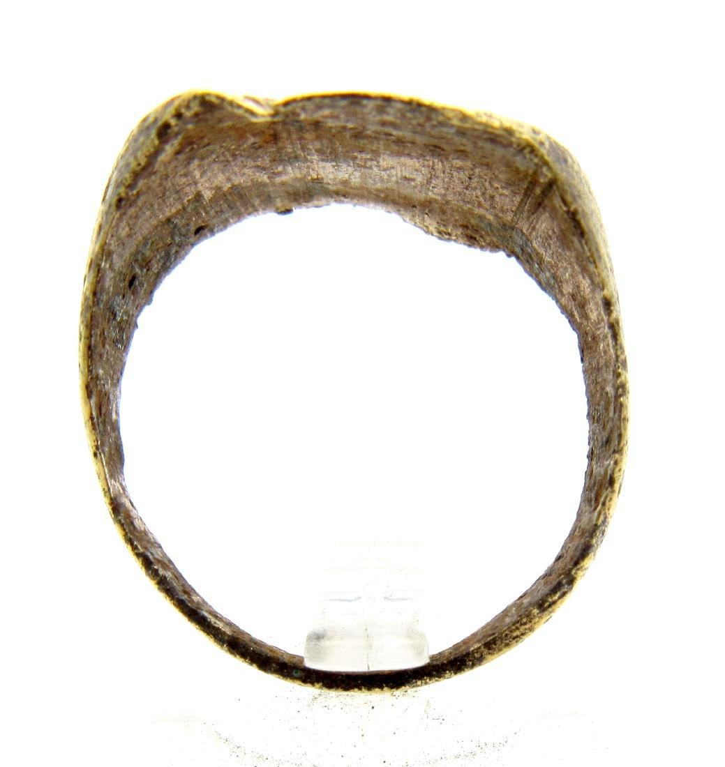 Medieval Bronze Decorated Heraldic Ring - 3