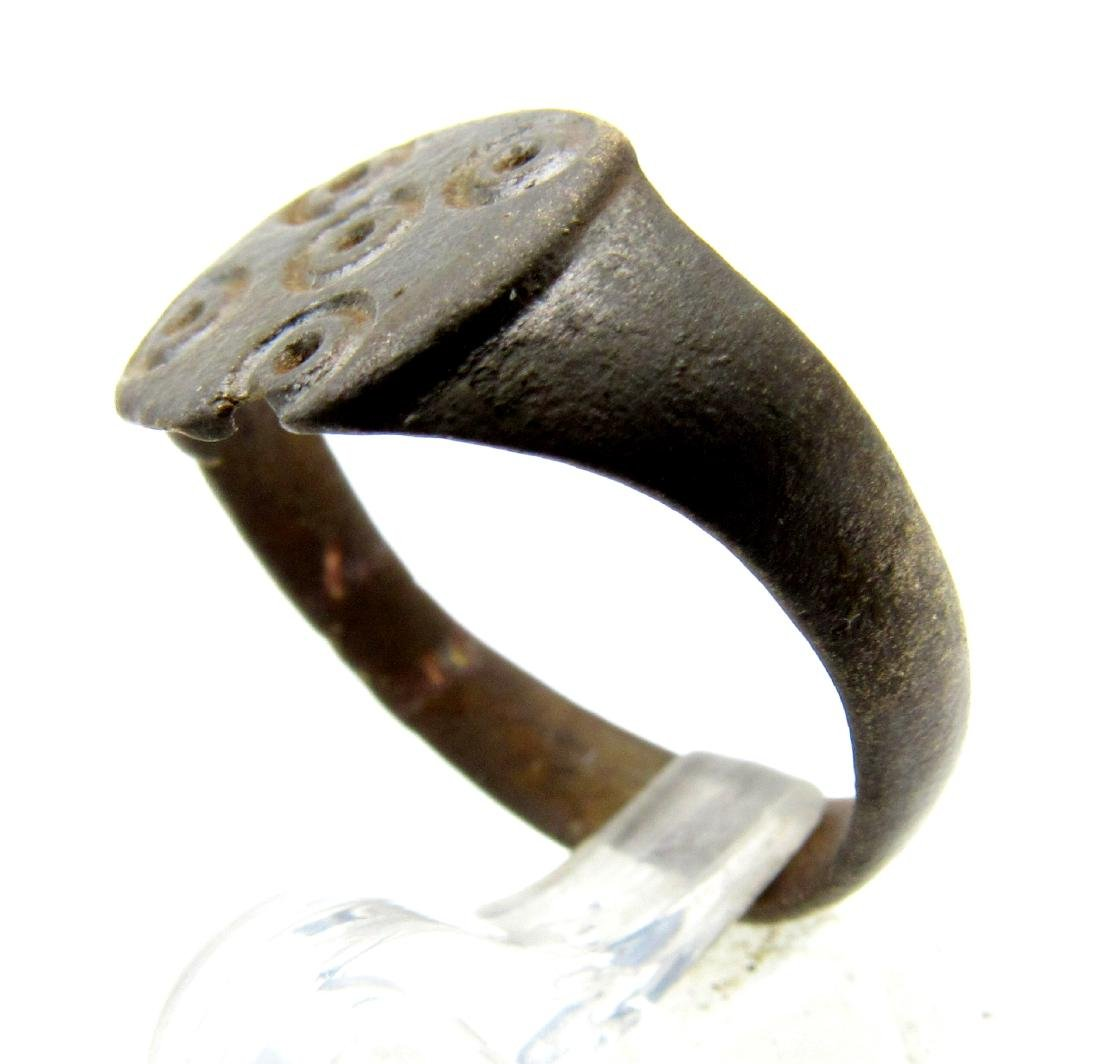 Medieval Saxon Bronze Ring with Evil's Eye Motif - 2