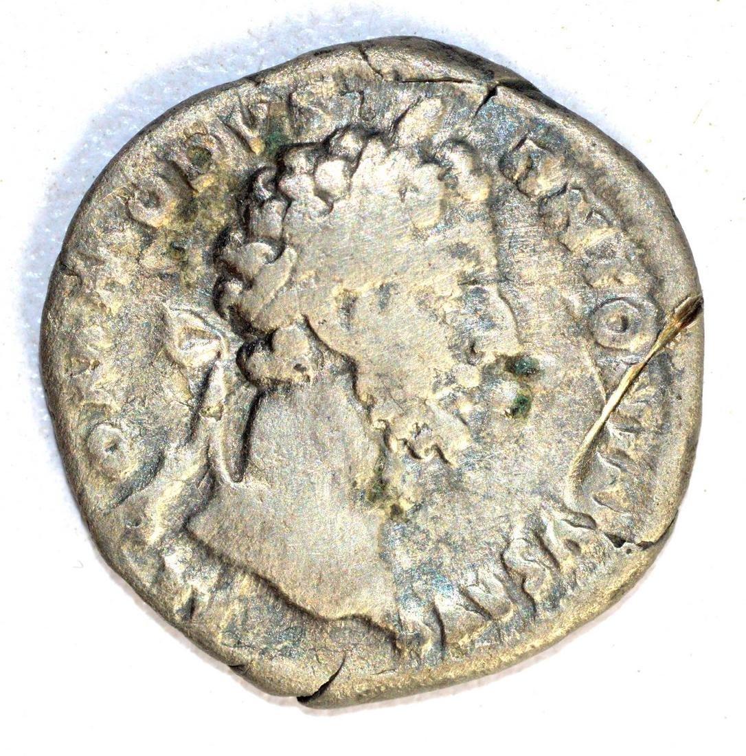 Commodus Silver Denarius rv. Lberalitas