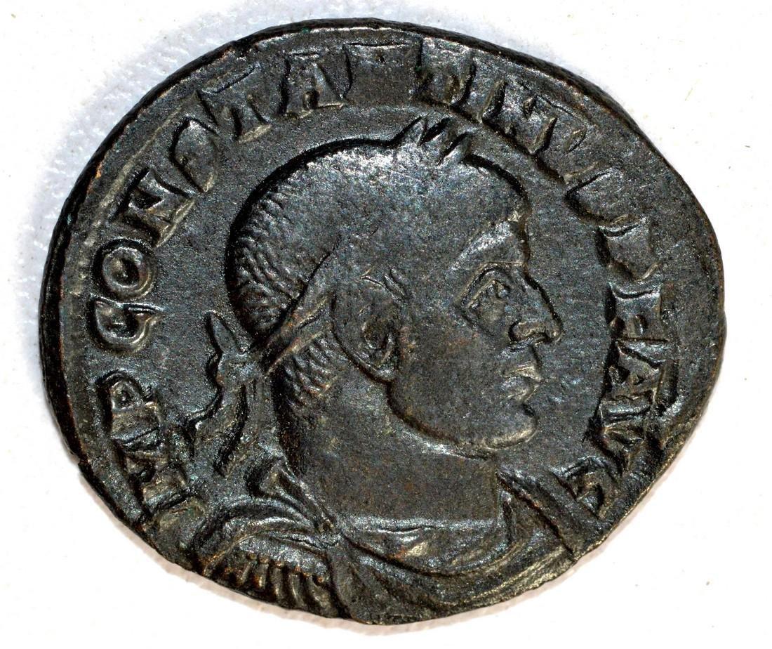 Constantinius I Ae Follis rv. Salus