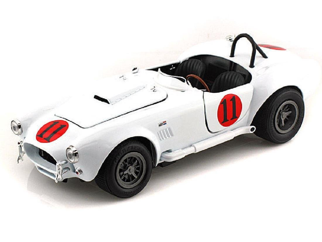 Auto World Scale 1:18 Shelby Cobra 427 S/C 1965 Spinout - 2