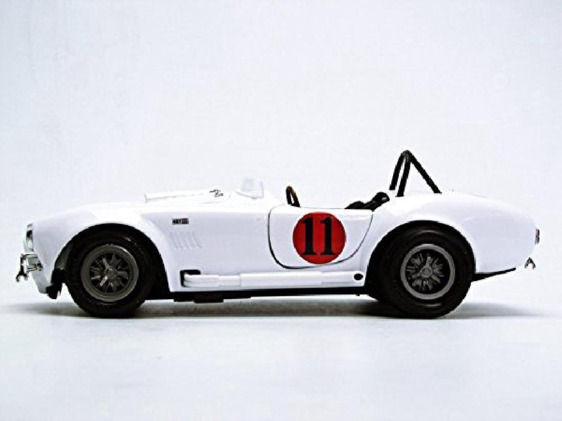 Auto World Scale 1:18 Shelby Cobra 427 S/C 1965 Spinout - 3