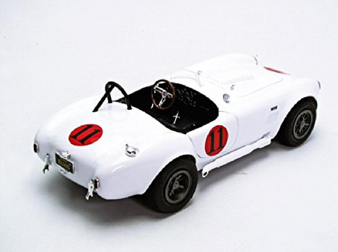 Auto World Scale 1:18 Shelby Cobra 427 S/C 1965 Spinout - 9