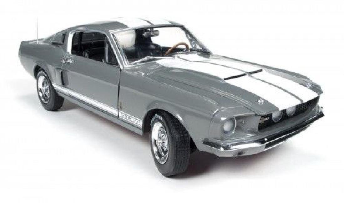 Auto World Scale 1:18 Shelby GT350 50 Anniversary 1967 - 3