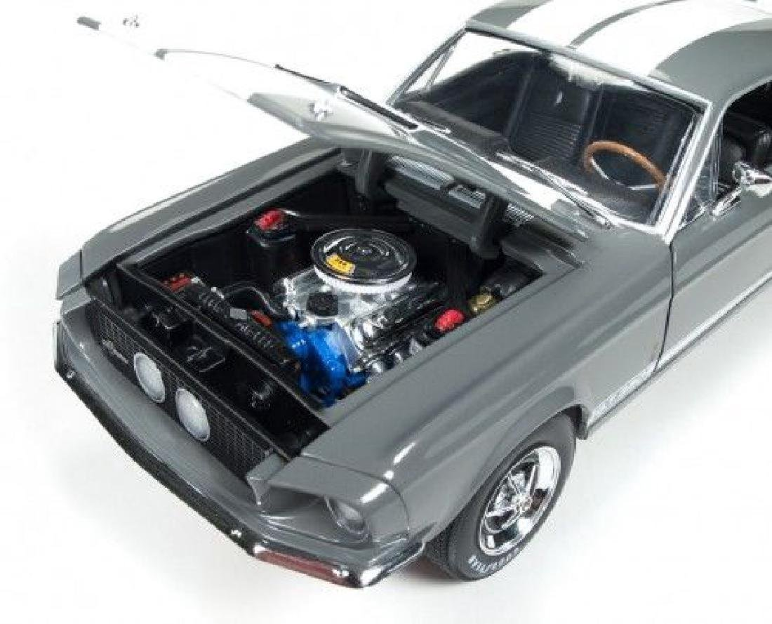 Auto World Scale 1:18 Shelby GT350 50 Anniversary 1967 - 5